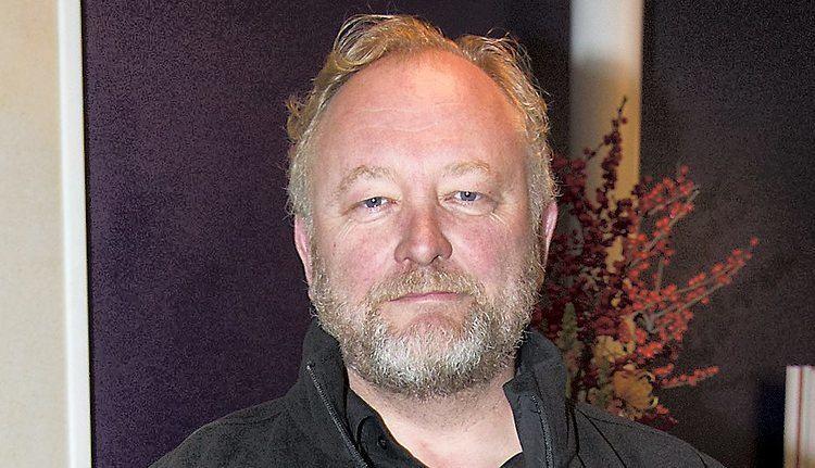 Bjarne Henriksen Bjarne Henriksen SE og HR