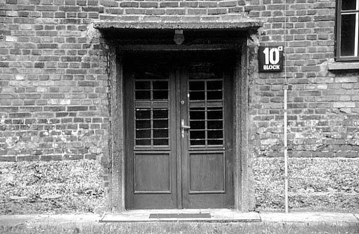 Block 10 wwwphotoexhibitscomeuropepolandimagesauschw