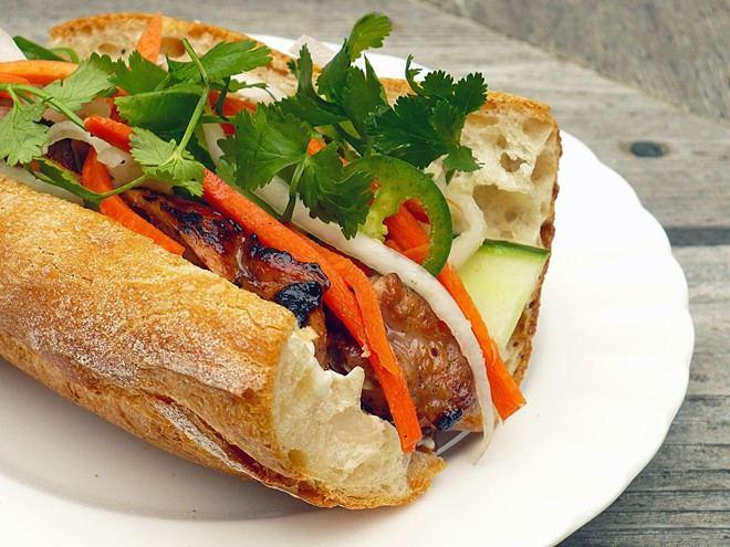 Bánh mì 7 tim bnh m ng khch TP HCM Mn ngon Zingvn