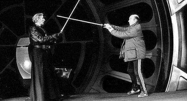 Bob Anderson (fencer) Bob Anderson sword master who played Darth Vader dies at