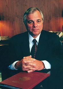 Bob Butterworth httpsuploadwikimediaorgwikipediacommonsthu