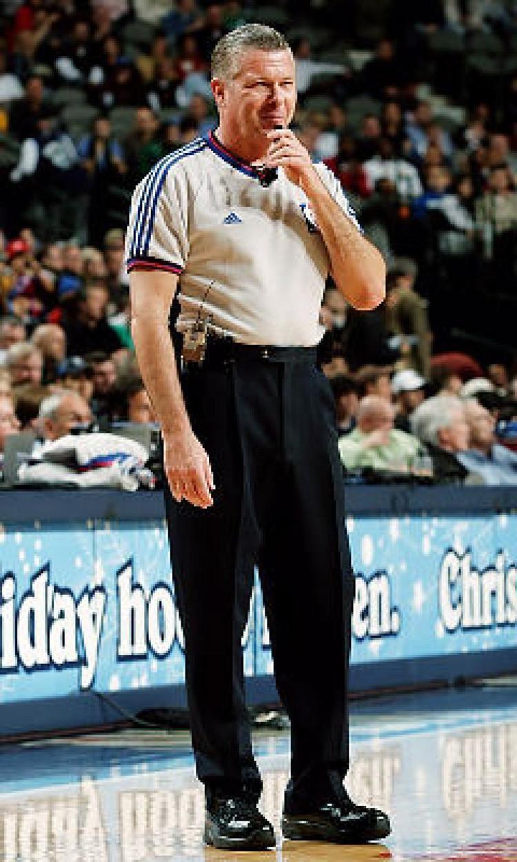 Bob delaney basketball referee ref and the mob daily news jpg 750x1250 Bob  delaney 7d1a47b92