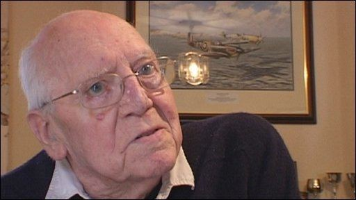 Bob Doe BBC News Battle of Britain flying ace dies in Sussex