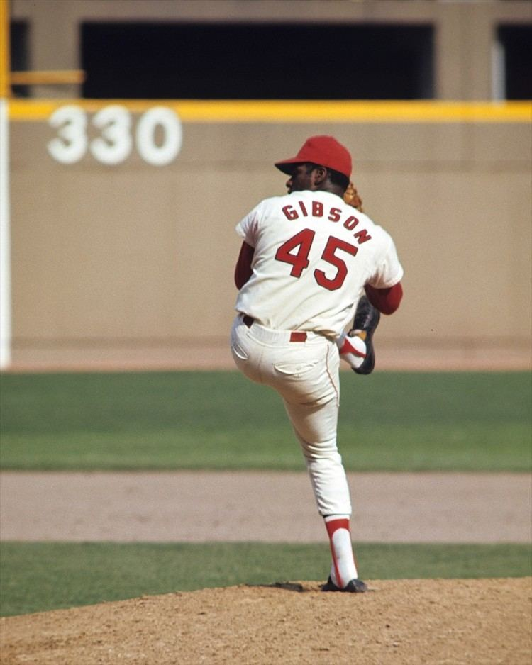 Bob Gibson More complete games than wins It39s not only possibleit