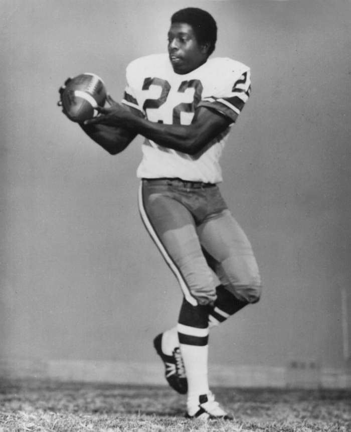 Bob Hayes Bullet39 Bob Hayes elected to NFL Hall of Fame