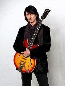 Bob Jackson (musician) httpsuploadwikimediaorgwikipediacommonsthu