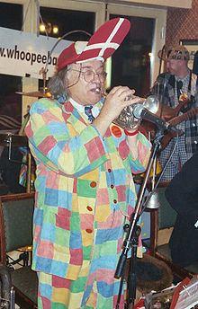 Bob Kerr (musician) httpsuploadwikimediaorgwikipediacommonsthu
