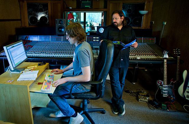 Bob Marlette Bob Marlette record producer video interview at Monnow Valley