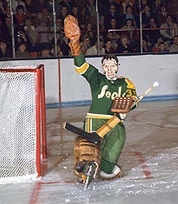 Bob Sneddon (ice hockey) Bob Sneddon GOALIE MASK Pinterest More Bobs Hockey and NHL ideas