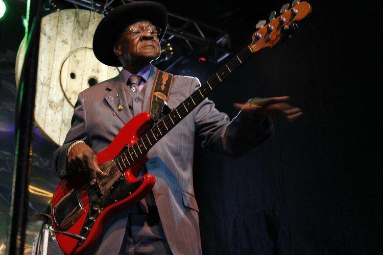 Bob Stroger Bob Stroger se apresenta no palco do Mississipi Delta