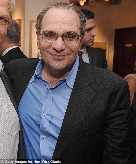 Bob Weinstein idailymailcoukipix20120407article0127FA