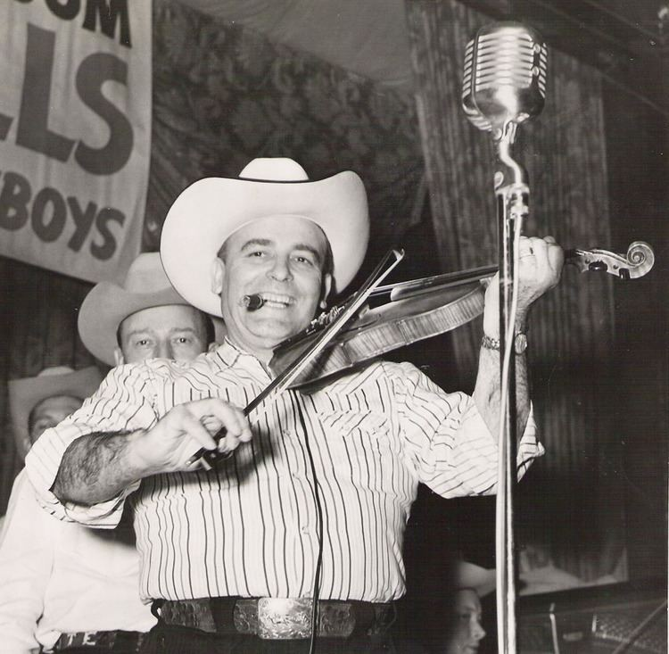 Bob Wills What Makes Bob Holler The Real Mr Heartache