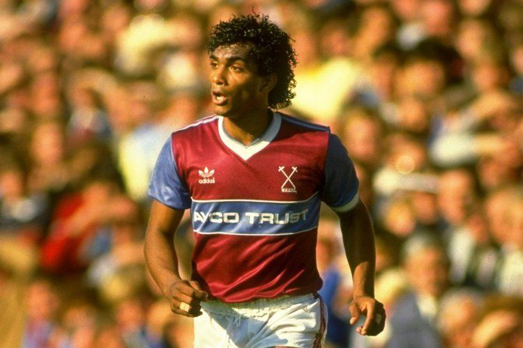 Bobby Barnes Former West Ham star Bobby Barnes proud to receive honorary