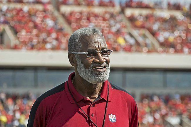 Bobby Bell ExGophers star Bobby Bell a college grad at 74 says