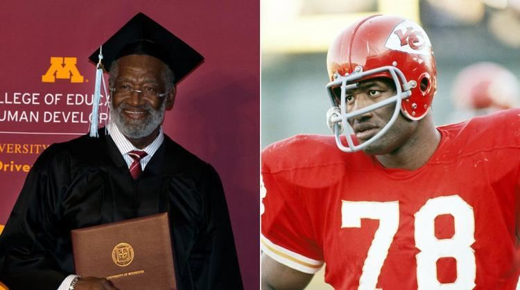 Bobby Bell NFL Hall of Famer Bobby Bell 74 imparts wisdom to the Class of
