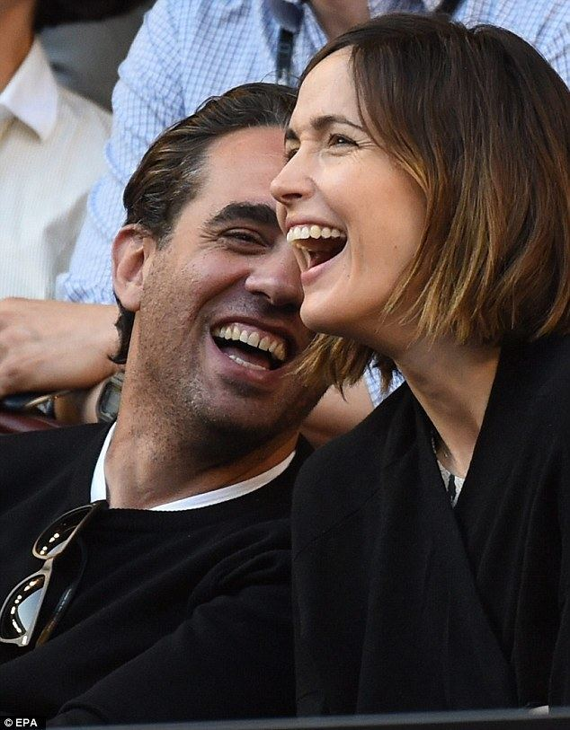 Bobby Cannavale Rose Byrne and Bobby Cannavale share a PDA in the stands at day one