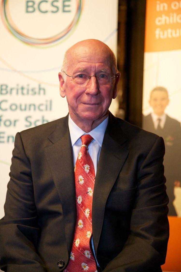 Bobby Charlton httpsuploadwikimediaorgwikipediacommonsthu