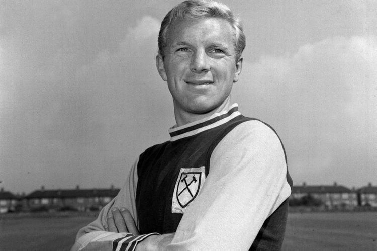 Bobby Moore Bobby Moore Widow of England39s World Cup winning captain
