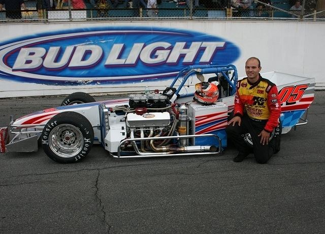 Bobby Santos III NASCAR Whelen Modified Champion Santos III Enters