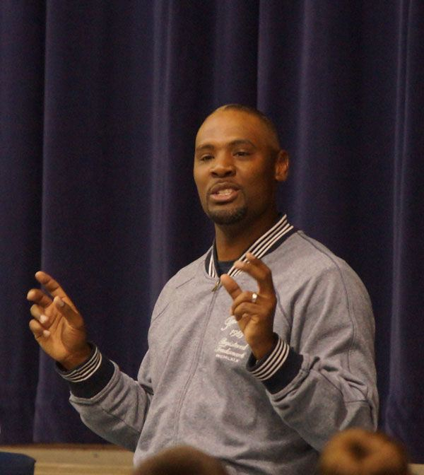 Bobby Shaw Former NFL player Bobby Shaw imparts words of wisdom to Freedom High