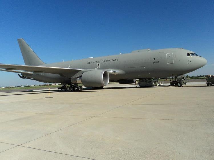 Boeing KC-767 FileBoeing KC767JPG Wikimedia Commons