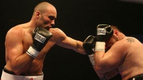 Bogdan Dinu wwwnobsboxingcom View topic The Heavyweight Prospect
