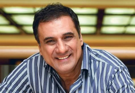 Boman Irani Exclusive Boman Irani talks about SRK Aamir Happy New