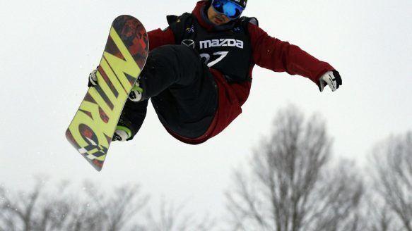 Brad Martin (snowboarder) Halfpipe snowboarders caught in sporting Catch22