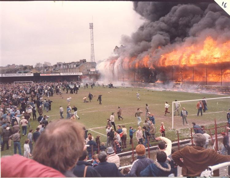 Bradford City stadium fire httpssmediacacheak0pinimgcomoriginals74