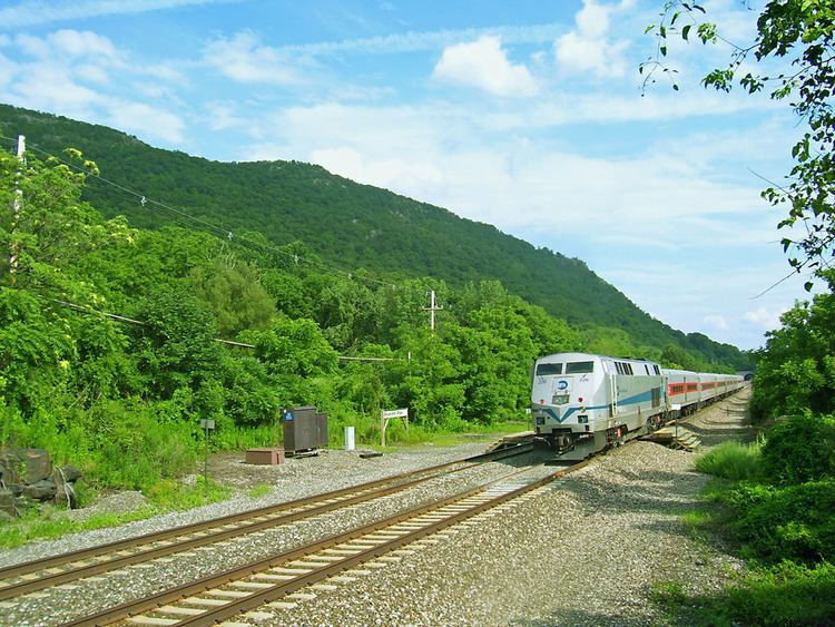 Breakneck Ridge (Metro-North station)