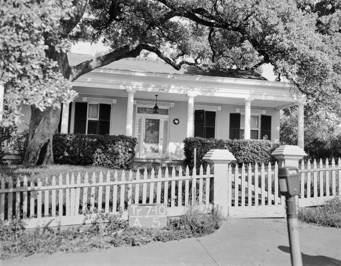 Bremond Block Historic District (Austin, Texas) BREMOND BLOCK HISTORIC DISTRICT The Handbook of Texas Online