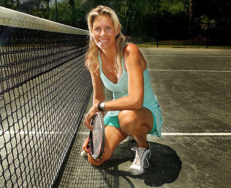 Brenda Schultz-McCarthy Brenda SchultzMcCarth of North Palm Beach balances tennis