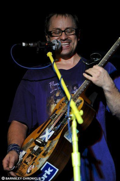 Brendan B. Brown Wheatus come to town Photos Barnsley Chronicle from
