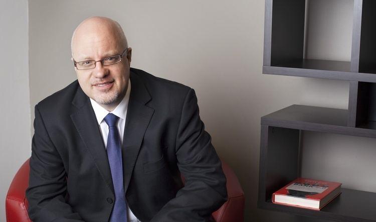 Brett King (businessman) Brett King Talks About The Future of Banking at FT Speakers