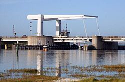Breydon Bridge httpsuploadwikimediaorgwikipediacommonsthu
