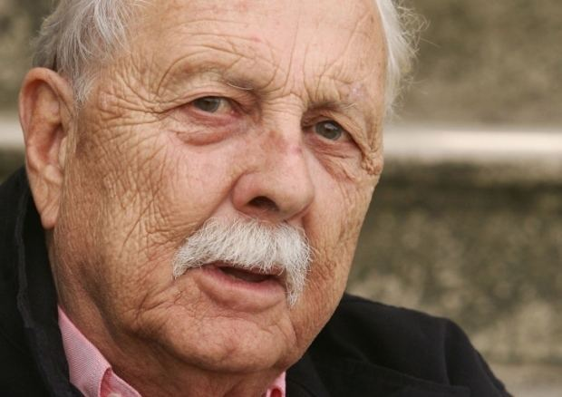 Brian Clemens Obituary Brian Clemens OBE drama script writer The