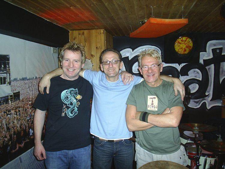 Brian McGee (drummer) Glyn me Kennyjpg