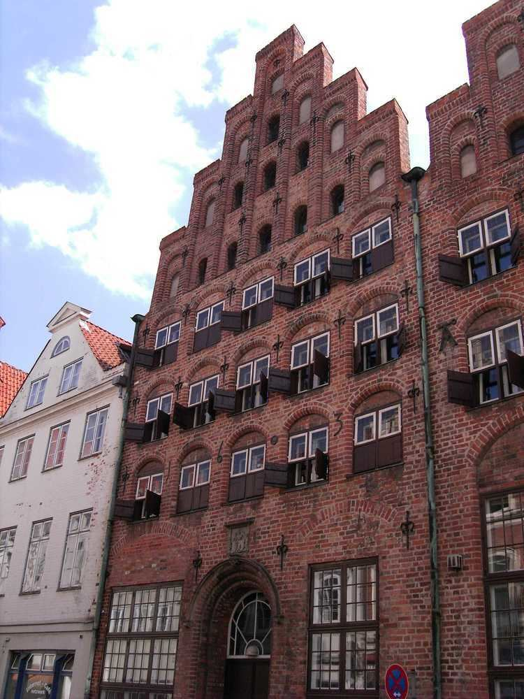Brick Gothic FileLbeckBrickGothichouse10jpg Wikimedia Commons