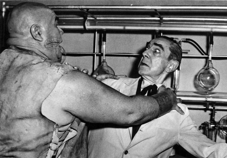 Bride of the Monster Duking it out with Tor Johnson in BRIDE OF THE MONSTER 1955