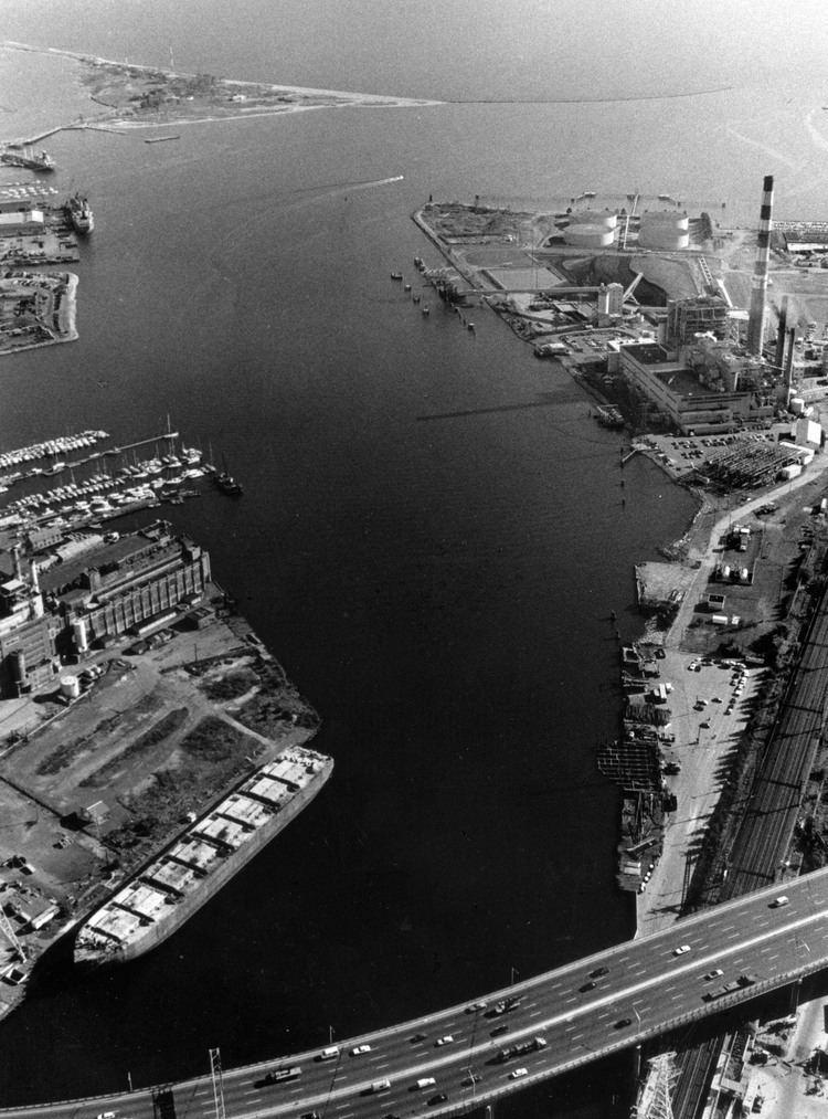 Bridgeport Harbor httpssmediacacheak0pinimgcomoriginalsc4