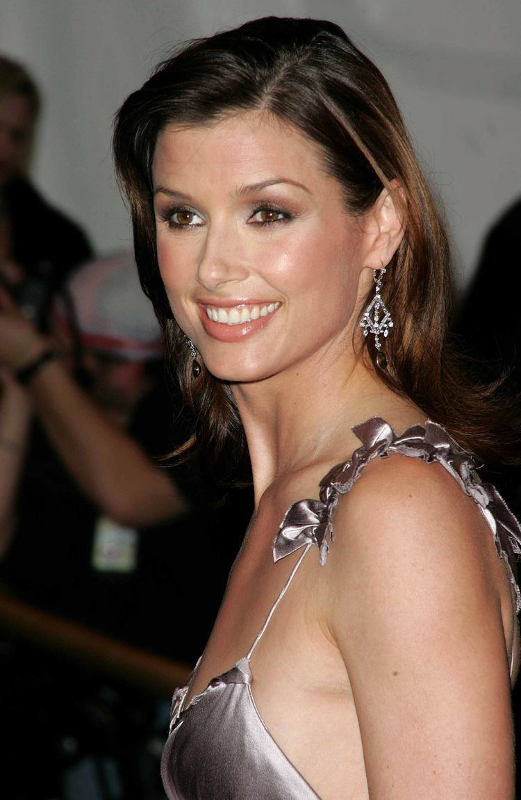 Bridget Moynahan She is so down to earth and fan friendly Does a great job no matter