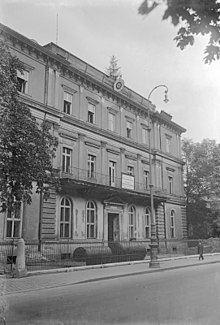 Brown House, Munich httpsuploadwikimediaorgwikipediacommonsthu