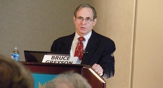 Bruce Greyson Experiencias cercanas a la muerte 30 aos de