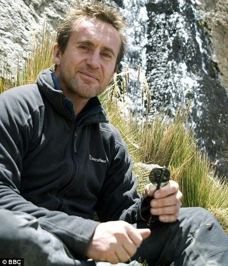 Bruce Parry Tribe presenter Bruce Parry mugged at knifepoint while shooting new