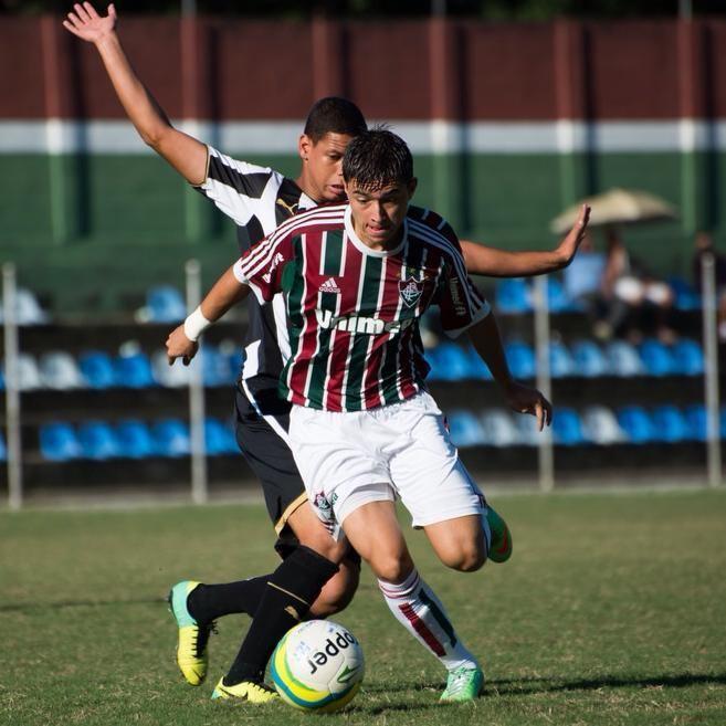 Bryan Olivera Bryan Olivera ascendido a la primera de Fluminense Embajadores del Gol