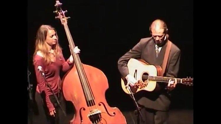 Bryn Davies (musician) Tony Rice and Bryn Davies Summertime May 8 2004 Lebanon NH YouTube