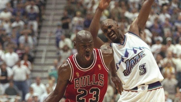 Bryon Russell Michael Jordan versus Bryon Russell Utah Flash Halftime