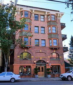 Buck Apartment Building httpsuploadwikimediaorgwikipediacommonsthu