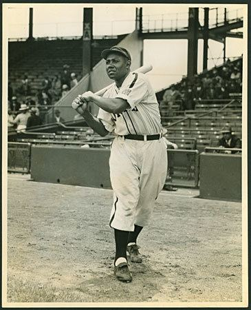 Buck Leonard Buck Leonard Society for American Baseball Research