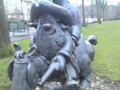Bud Neill Bud Neill Lobey Dosser and Rank Bajin Statue in West End
